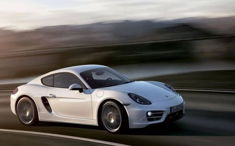 Under the hood of the 2014 Porsche Cayman you'll find 275 hp @7,400 rmp and 213 lb-ft @ 4,500 rpm.