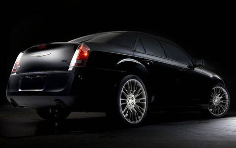 Tire, Wheel, Automotive design, Automotive tire, Vehicle, Automotive lighting, Automotive tail & brake light, Car, Rim, Automotive exterior,