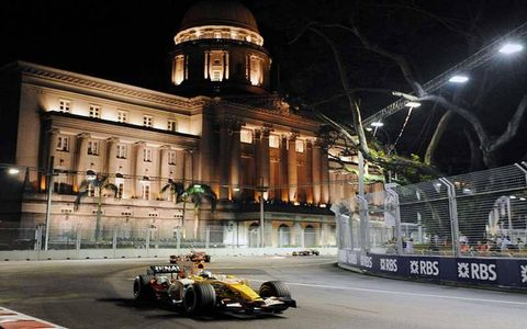 Fernando Alonso, Renault R28, 1st position.