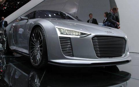 Paris Auto Show: Audi e-tron Spyder