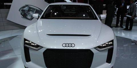 Paris Auto Show: Audi quattro concept