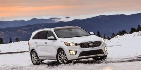 The clean profile is easily recognizable as Sorento, enhanced with stronger shoulders and a long hood to deliver a more aerodynamic and sleek appearance.