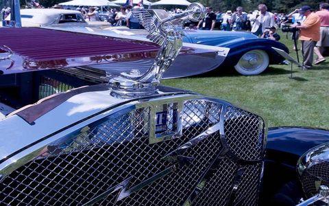 Motor vehicle, Vehicle, Automotive design, Land vehicle, Grille, Classic car, Hood, Automotive lighting, Car, Classic,