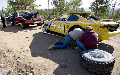 Tire, Wheel, Vehicle, Automotive tire, Land vehicle, Car, Fender, Automotive wheel system, Alloy wheel, Rim,
