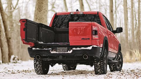 The new-for-2019 Ram Multifunction tailgate, a $995 option for 1500 pickups, features a 60-40 side-by-side split as well as regular fold-down functionality.