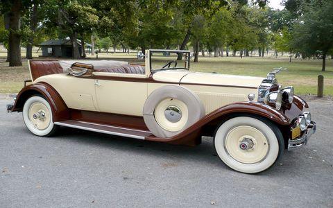 Tire, Mode of transport, Automotive design, Vehicle, Classic car, Photograph, Car, Antique car, Vehicle door, Classic,