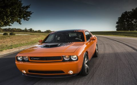 The shaker hood on the 2014 Dodge Challenger R/T Shaker really adds to the retro look.