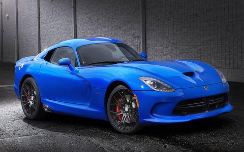 The 2015 Dodge Viper SRT gets 645 hp.