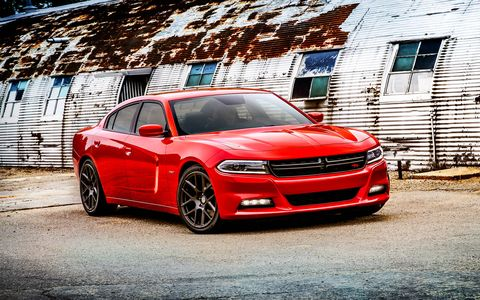 The new Charger SE model includes the award-winning 292-horsepower Pentastar V-6 engine now mated to the state-of-the-art TorqueFlite eight-speed transmission for an EPA estimated 31 mpg on the highway.
