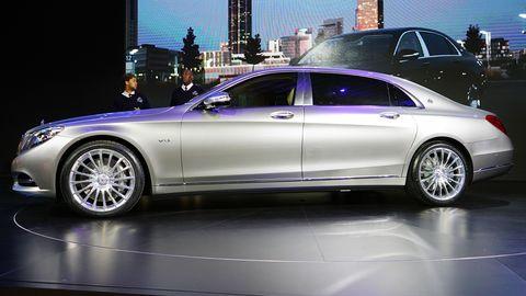 Tire, Wheel, Automotive design, Vehicle, Alloy wheel, Land vehicle, Rim, Spoke, Car, Transport,