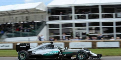 Nico Rosberg has downplayed contract talks with Mercedes.