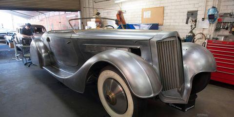 Motor vehicle, Mode of transport, Automotive design, Vehicle, Photograph, Classic car, Classic, Fender, Automotive parking light, Antique car,