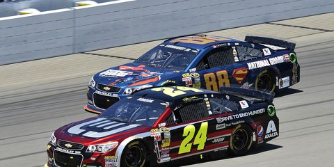 Jeff Gordon (24) holds the lead over Dale Earnhardt (88) in the NASCAR Sprint Cup Series standings with six races remaining in the regular season.