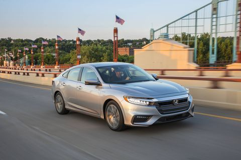 The new Honda Insight shares 80 percent or so of its chassis with the Civic, but its hybrid drivetrain garners 52 mpg combined.