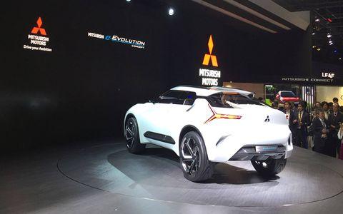 Land vehicle, Vehicle, Car, Auto show, Automotive design, Concept car, Sports car, Automotive lighting, Mid-size car, City car,