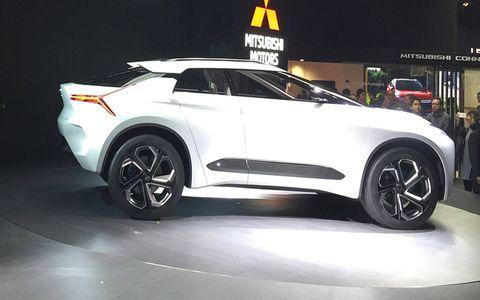 Land vehicle, Vehicle, Car, Auto show, Automotive design, Concept car, Sport utility vehicle, Automotive tire, Supercar, Mid-size car,