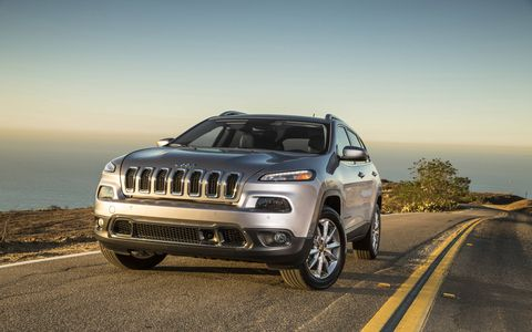 Under the hood of the 2014 Jeep Cherokee Trailhawk is a 3.2-liter V6 that pushes out a hearty 271 hp with 239 lb-ft of torque.