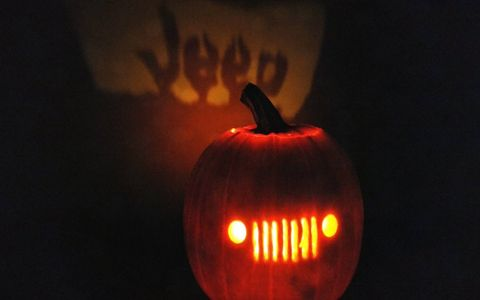 One of many Jeep-themed pumpkins we discovered. We dig the projector effect.