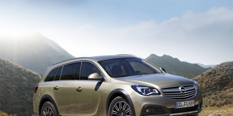We won't argue if GM wants to offer us the 2015 Opel Insignia Country Tourer.