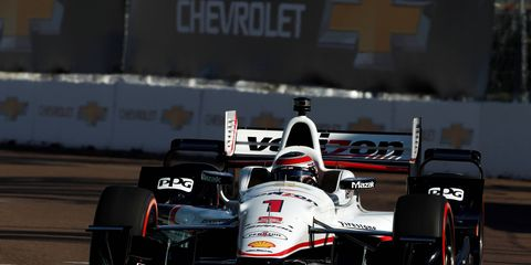 Current IndyCar champion Will Power won the first pole of the season at St. Petersburg on Saturday.