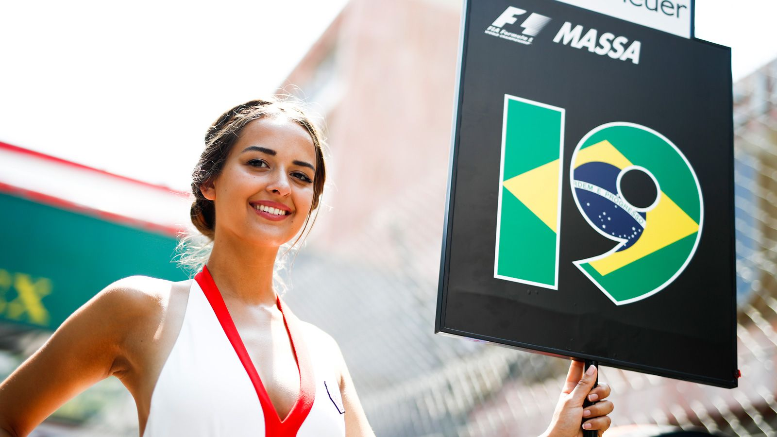 Monaco Gp Thumbs Nose At F1 Liberty Media Grid Girls Are Back