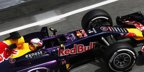 Renault has admitted that there is something wrong at its factory as it struggles to fix problems.