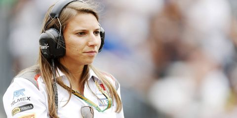 Simona De Silvestro is apparently interested in returning to IndyCar.