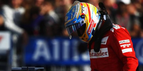 According to the McLaren Formula One team, Fernando Alonso's time is running out to sign.