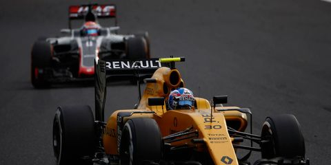 Jolyon Palmer's stay at Renault F1 might be a short one, if indeed the team is looking to replace its drivers this offseason.