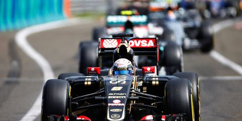 Lotus F1 driver Romain Grosjean says that the front-wing construction has made overtaking more difficult this season in Formula One.