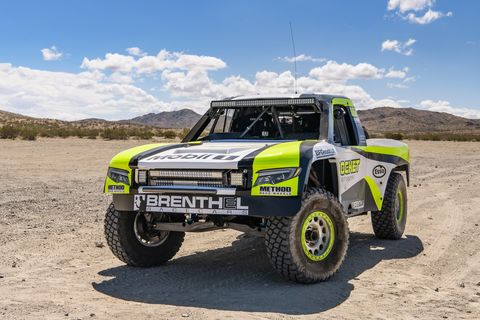 After 17 years in Formula 1, including a world championship, Jenson Button has not slowed down at all. His retirement from F1 only means he can do other motorsports, like Spec Trophy Truck.