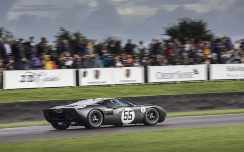 Number 5, a 1965 Ford GT40 driven by Chris Ward.