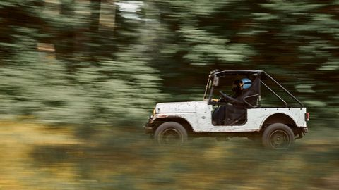 the mahindra roxor gets a 25 liter turbodiesel making 62 hp and 144 lb ft of torque