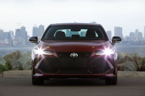 2019 Toyota Avalon Touring stills and details