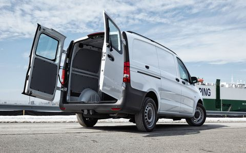 Mercedes-Benz will offer the Metris at its van dealers alongside the Sprinter.