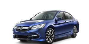 The Honda Accord Hybrid is revamped for 2017.