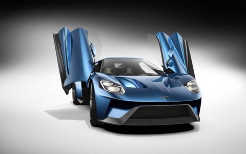 Then 2017 Ford GT gets Gorilla Glass for its windshield and engine cover.