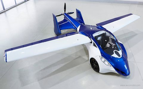 AeroMobil 3.0 also implements a number of other advanced technologies, such as a variable angle of attack of the wings that significantly shortens the take-off requirements