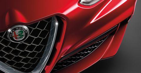 2018 Alfa Romeo Stelvio Quadrifoglio details