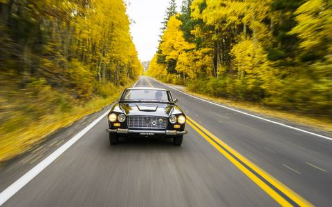 You may not think of California when you think fall colors, but they're out there, man! Here we are with Kjell Nelin's 1961 Lancia Flaminia. What a car! What colors!
