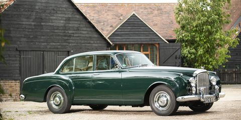 The S2 Continental Flying Spur by H.J. Mulliner gave the luxurious coupe the versatility of a four-door sedan.