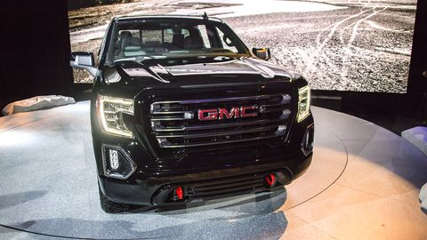 GMC debuted the Sierra AT4 before the start of the New York auto show, also taking the opportunity to announce the AT4 pickup line which will spread through the range.
