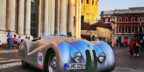 A BMW 328 in Piazza Paolo VI in Brescia.