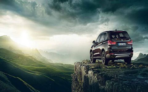 One of the highlights of this X5 generation is that it's available in rear-wheel drive form in the sDrive35i model.