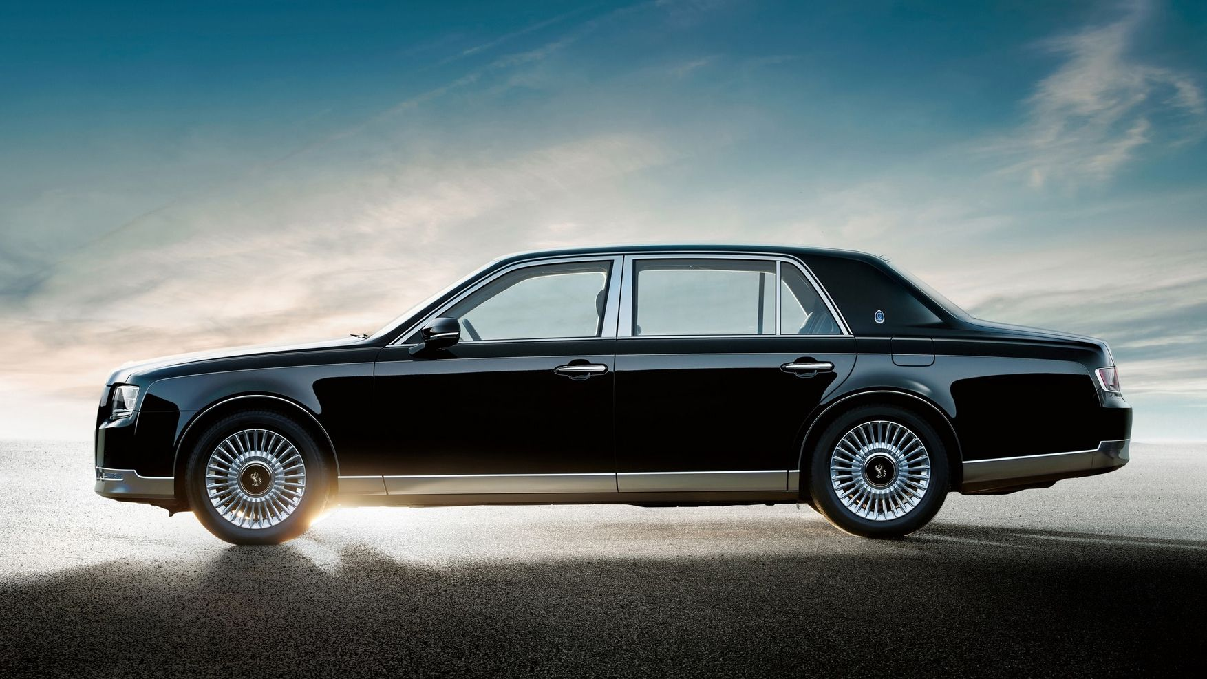 The All New Toyota Century Is The Most Exclusive Japanese Car You Can T Buy