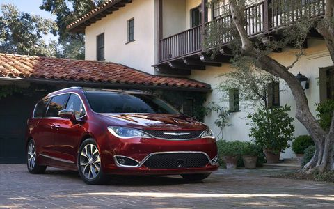 Chrysler revealed the 2017 Pacifica and Pacifica Hybrid -- replacements for the Town & Country minivan -- at the 2016 Detroit auto show.