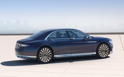 The Lincoln Continental concept, which previews a full-size sedan from the automaker set to enter production in 2016, debuted ahead of the 2015 New York auto show.