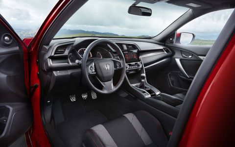 Check out the interior of the new turbocharged Honda Civic Si.