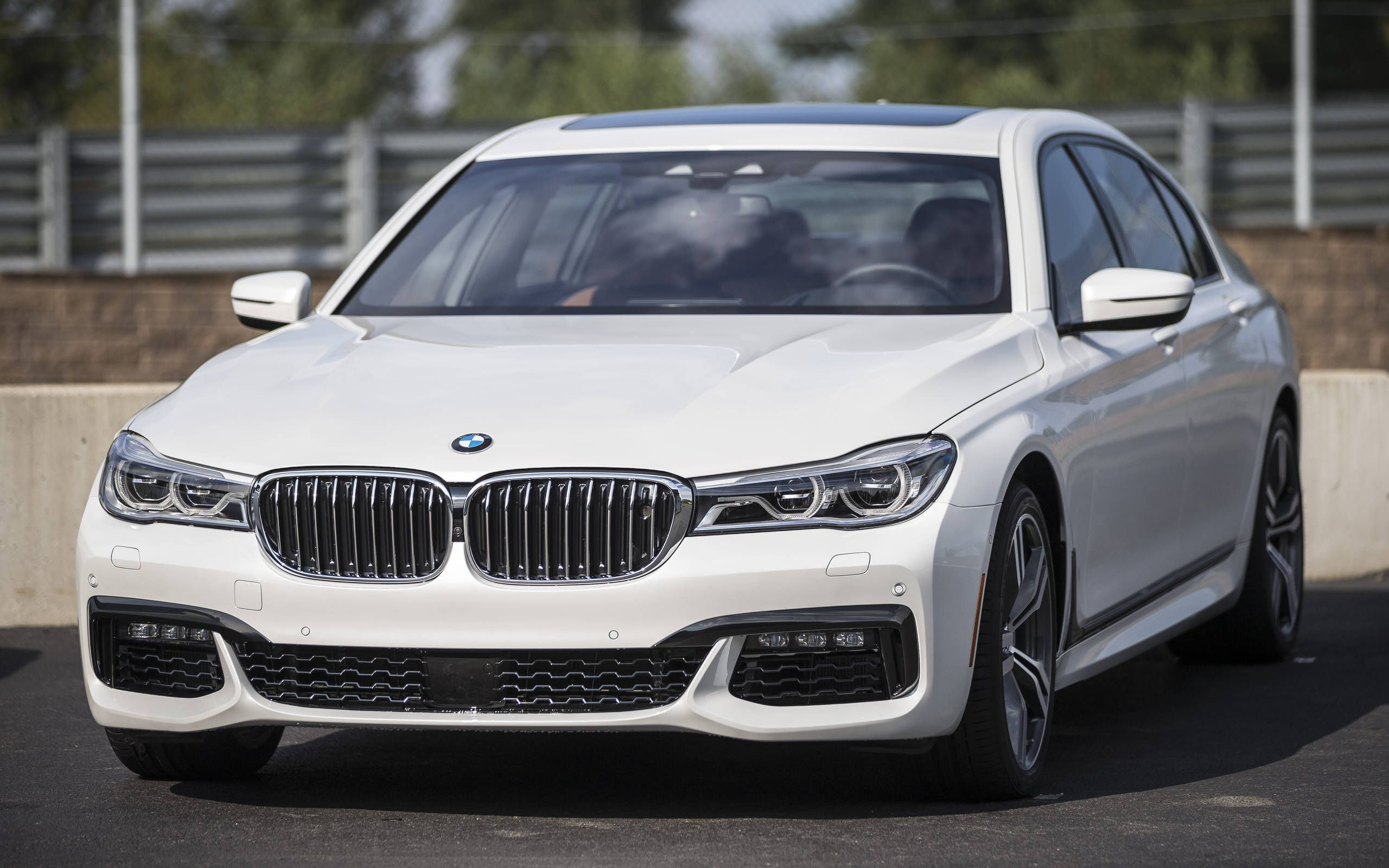 2016 Bmw 7 Series First Drive Bavaria Goes After The S Class
