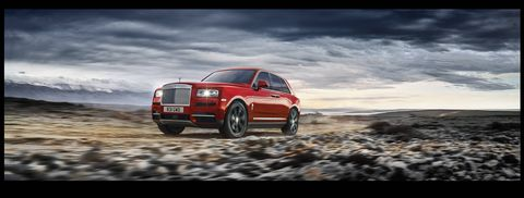 The 2019 Rolls-Royce Cullinan gets a 6.75-liter twin-turbo V12 cranking out 563 hp and 627 lb ft of torque.